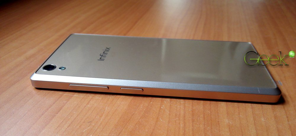Infinix Hot 2 right side shwoing power and volume buttons
